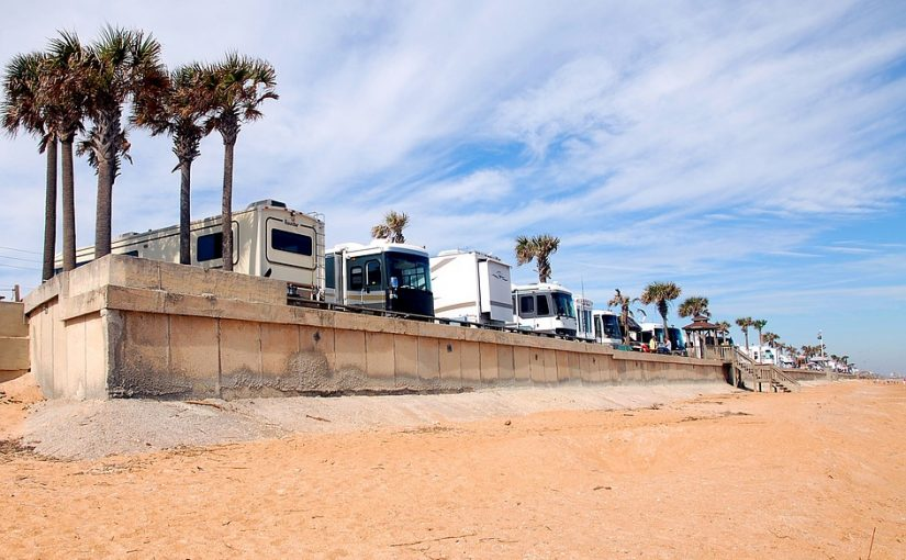 Top 10 Things to Look For in a Good RV Storage Facility in Arizona